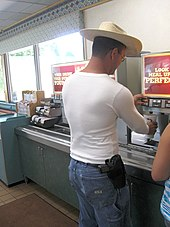 170px-Open_Carry_of_a_9mm_Browning_Hi_Power_in_Eagle_Colorado